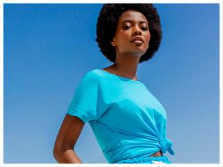 krótkie bluzy z krótkim rękawem w turkusowym kolorze w stylizacjach